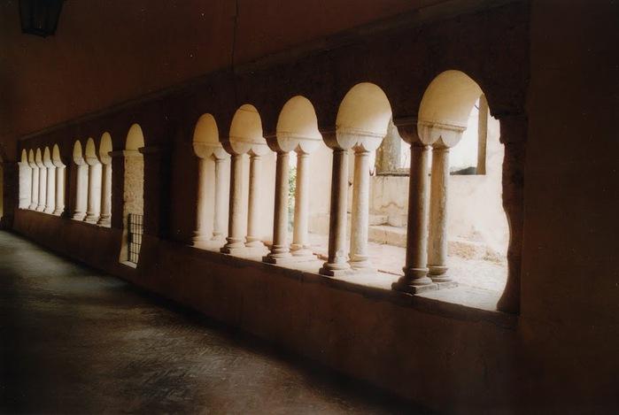 Бенедиктинское аббатство Фосанова :Fossanova 11212
