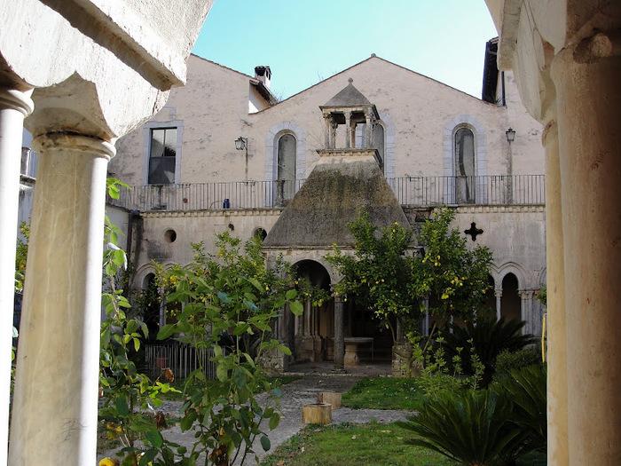 Бенедиктинское аббатство Фосанова :Fossanova 13356