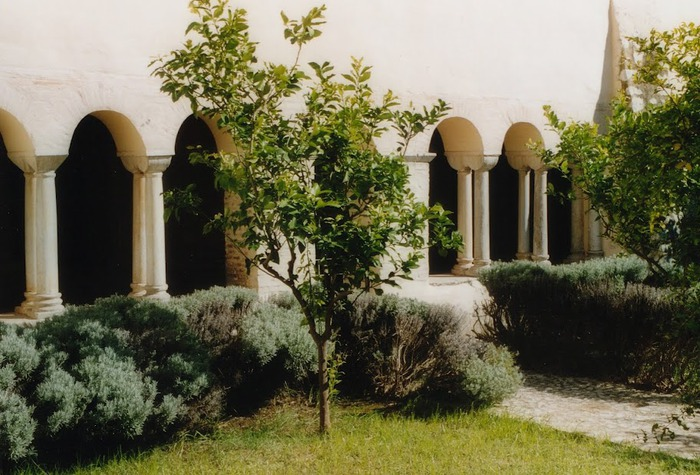 Бенедиктинское аббатство Фосанова :Fossanova 88220
