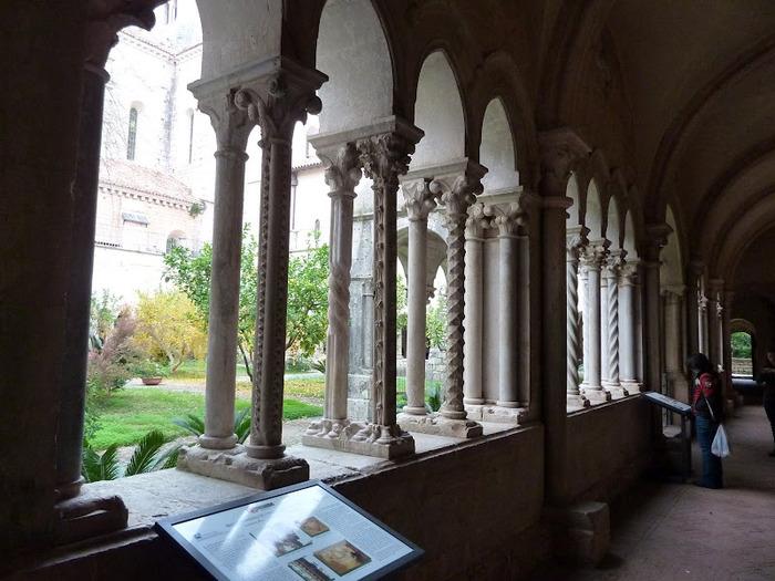 Бенедиктинское аббатство Фосанова :Fossanova 12944