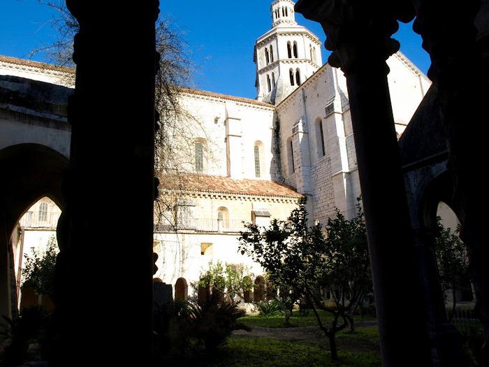 Бенедиктинское аббатство Фосанова :Fossanova 27661