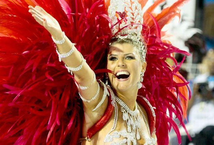 4617818_rio_de_janeiro_carnival_girls_06 (700x476, 65Kb)