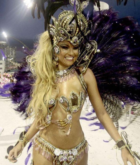 4617818_rio_de_janeiro_carnival_girls_10 (595x700, 86Kb)