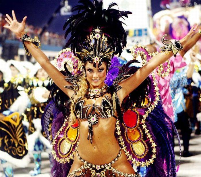 4617818_rio_de_janeiro_carnival_girls_107 (700x616, 107Kb)