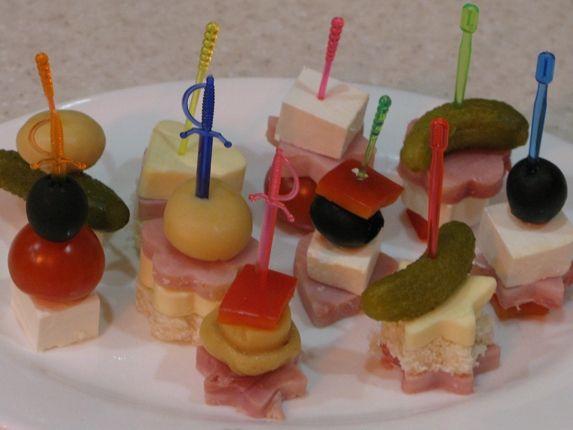 Канапешки – вкусное украшение праздничного стола!
