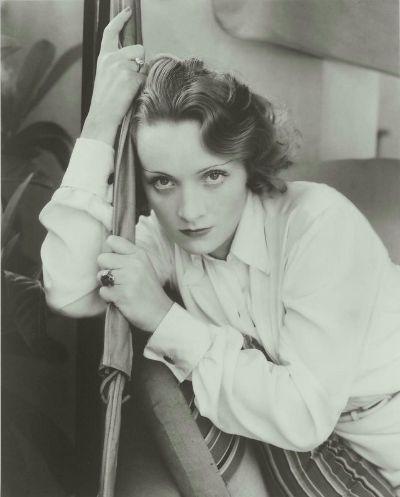 Steichen Marlene Dietrich 1931 (400x497, 24Kb)