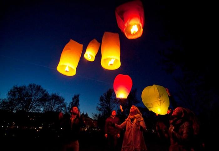 Красивые небесные фонарики над вашим городом 4 (700x485, 51Kb)