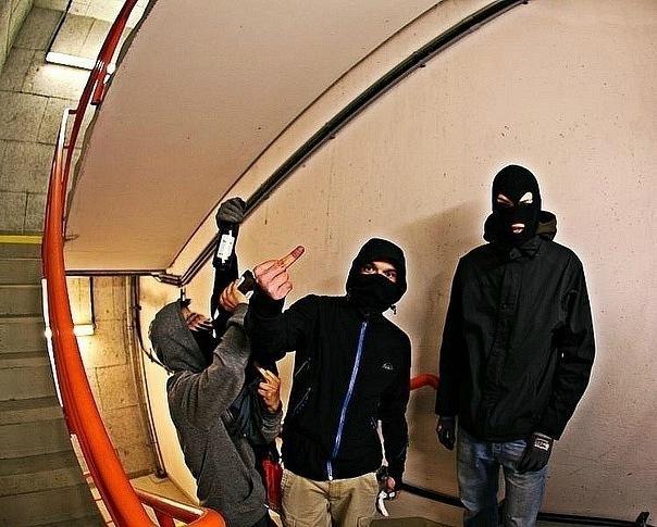 Два парня в масках фото 683-39