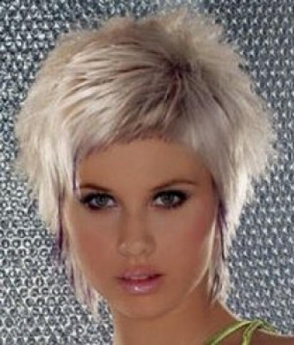 Косичка, Создавая косички на короткие волосы Стрижка Сессон, фото.