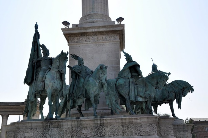 Площадь Героев (Будапешт) 30050