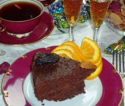 1330868459_recept-na-8-marta-shokoladnyj-tort-s-chernoslivom (423x358, 32Kb)