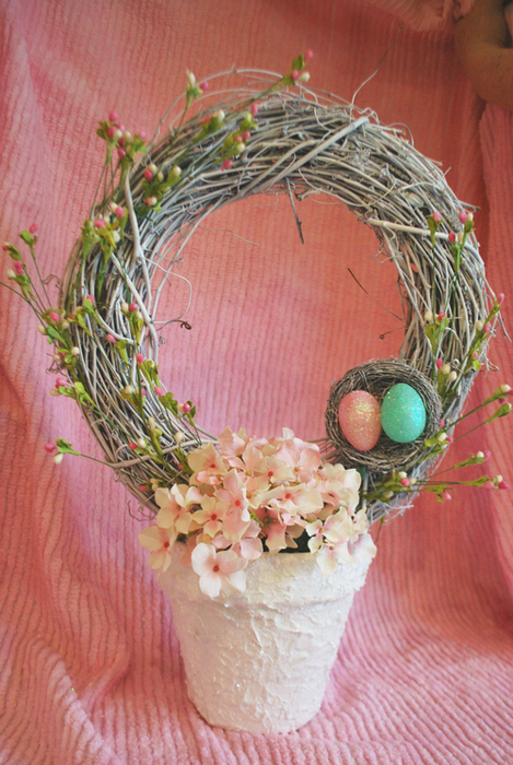 Easter Wreath Topiary- With flowers (469x700, 587Kb)