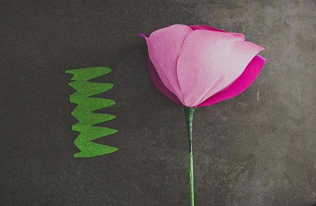 diy-giant-paper-rose-13 (650x425, 43Kb)