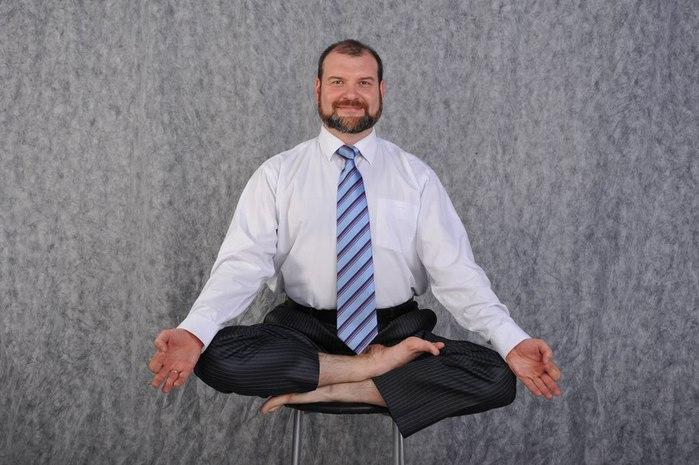 fitnes-joga-na-rabochem-meste (700x465, 75Kb)