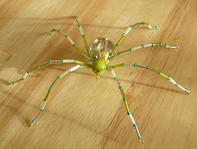 Dans le Townhouse_Spider Inspiration_Lime Buddy (640x484, 88Kb)