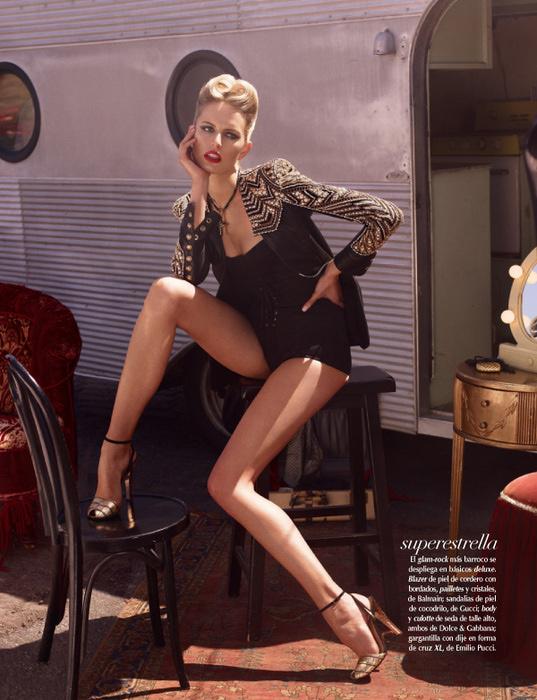 Karolina Kurkova Vogue 7 (537x700, 161Kb)
