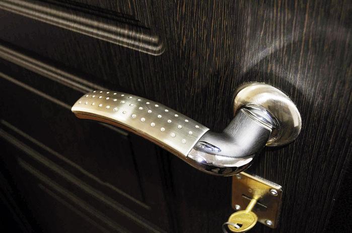 Входные двери – надежная защита жилища.