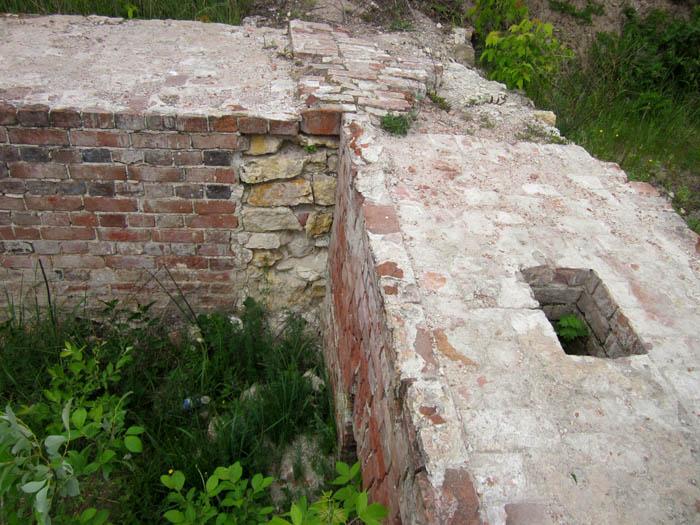 Старая Рязань Фундамент 2 (700x525, 127Kb)