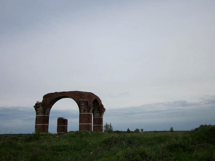Старая Рязань Развалины храма (700x525, 50Kb)