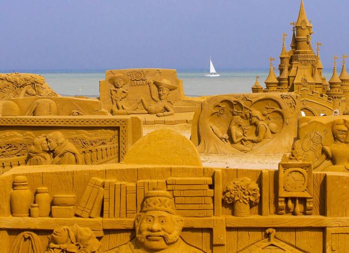 фестиваль песчаных скульптур в бельгии 1 (700x508, 405Kb)