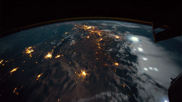 epic-iss-time-lapse1.si (690x388, 124Kb)