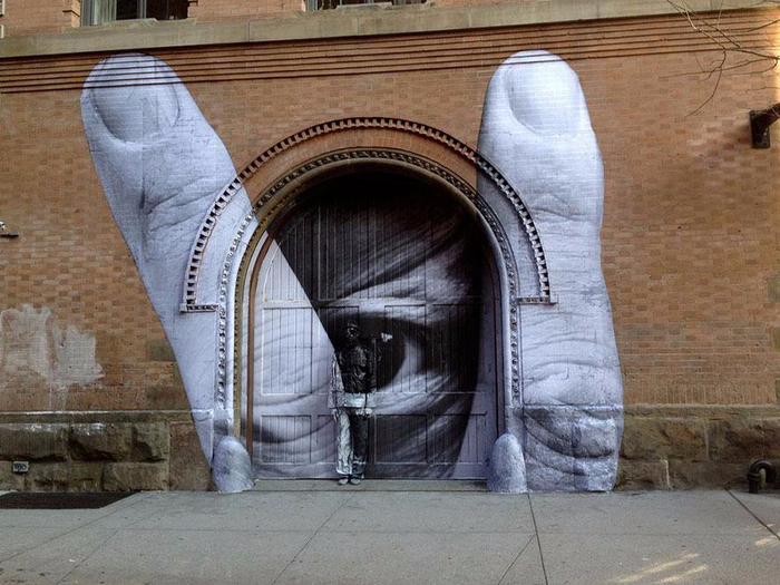 best-cities-to-see-street-art-65 (700x525, 386Kb)