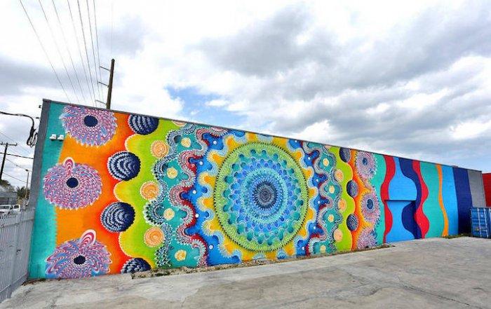 уличные граффити Дугласа Хокзема 2 (700x441, 309Kb)