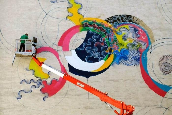 уличные граффити Дугласа Хокзема 8 (700x467, 335Kb)