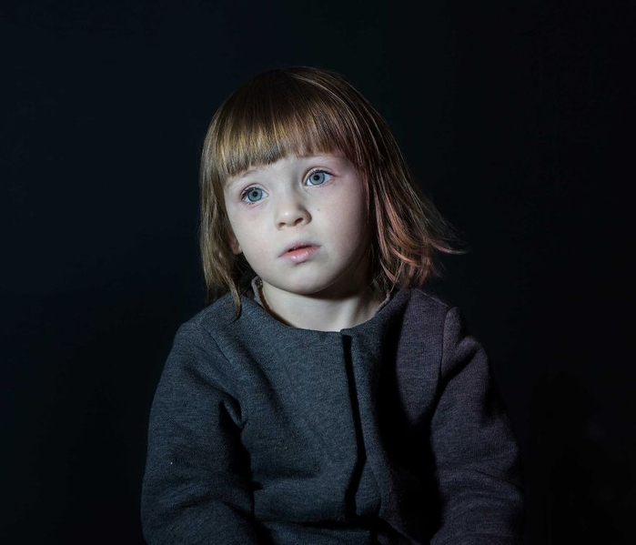 дети смотрят телевизор 1 (700x599, 185Kb)