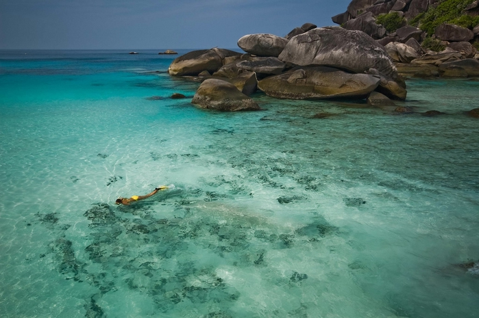 snorkel-paradise-similan-island-thailand-ren---ehrhardt167-ll (700x465, 240Kb)
