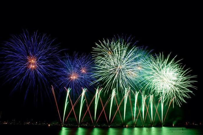 фестиваль фейерверков в каннах/3368205_169 (700x466, 53Kb)