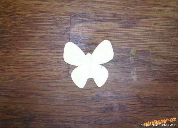 Панно с бабочками из бумаги (6) (600x432, 131Kb)