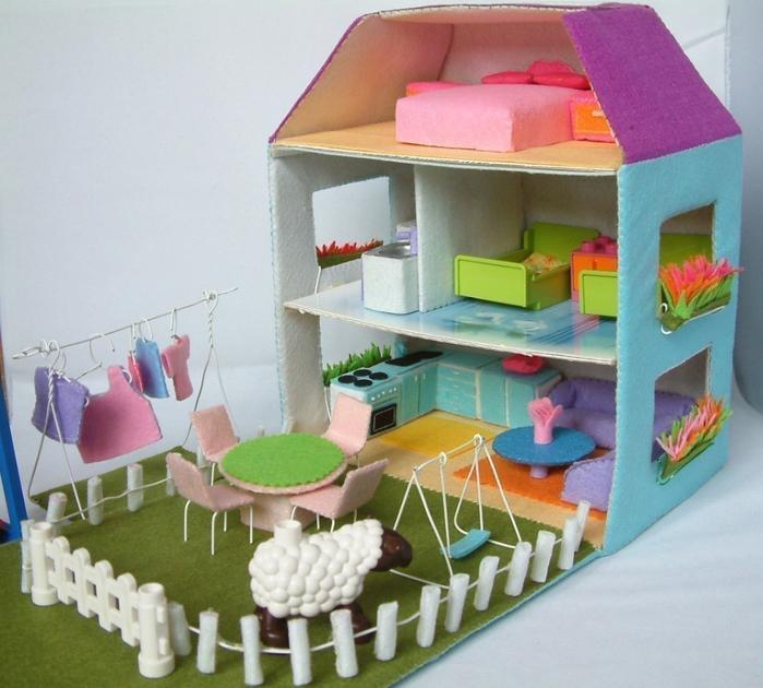 Как сделать дом для маленьких игрушек