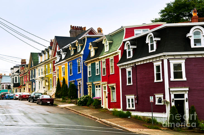 colorful-houses-in-newfoundland-elena-elisseeva (700x464, 459Kb)