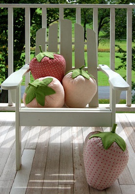 strawberry-pillows-b2Р° (277x398, 137Kb)