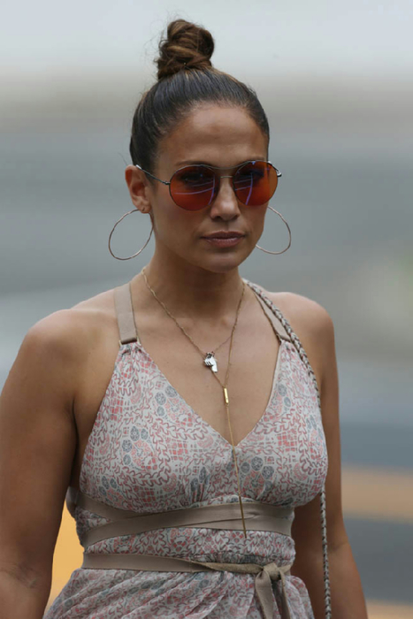 jennifer-lopez-casper-07jul15-01 (467x700, 238Kb)