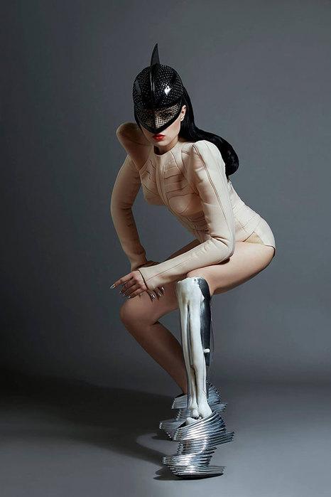 prototype-leg-prosthetics-viktoria-modesta-1 (466x700, 38Kb)
