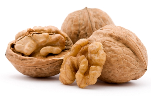 грецкие орехи (641x413, 187Kb)