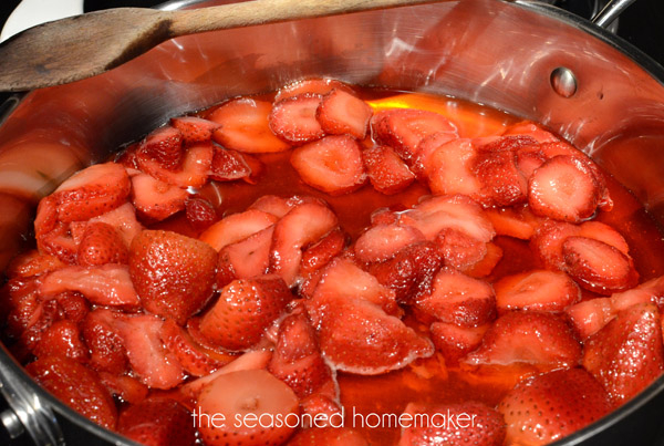 easy-strawberry-jam-1a (600x403, 313Kb)