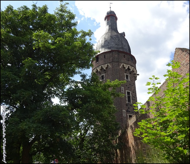 Zons-Цонс на Рейне близ Дюссельдорфа