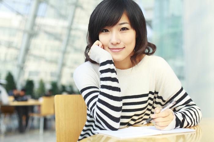 girl-desk (700x465, 336Kb)