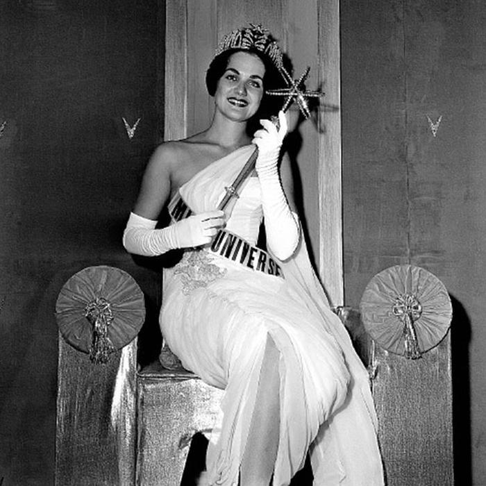 Линда Бемент, США. «Мисс Вселенная — 1960». 18 лет, рост 167 см. (700x700, 288Kb)