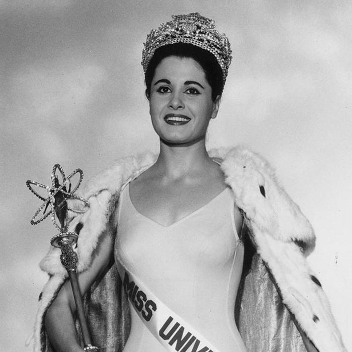 Норма Нолан, Аргентина. «Мисс Вселенная — 1962». 24 года, рост 166 см. (700x700, 238Kb)