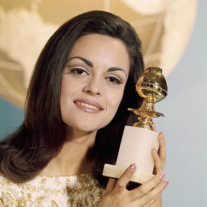 Коринна Тсопей, Греция. «Мисс Вселенная — 1964». 20 лет, рост 173 см. (700x700, 390Kb)