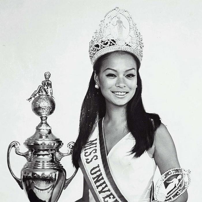 Глория Мария Диас, Филиппины. «Мисс Вселенная — 1969». 18 лет, рост 165 см. (700x700, 277Kb)
