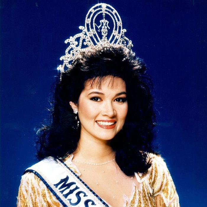 Порнтип Накирунканок, Таиланд. «Мисс Вселенная — 1988». 20 лет, рост 173 см, параметры фигуры 89−58−92. (700x700, 423Kb)