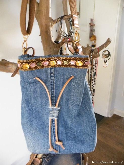 Сумка в спортивном стиле из старых джинсов (5) (490x653, 199Kb)