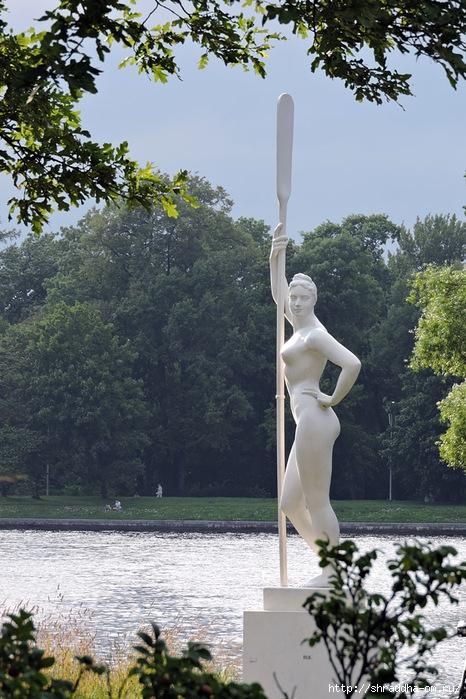 девушка с веслом (466x700, 297Kb)