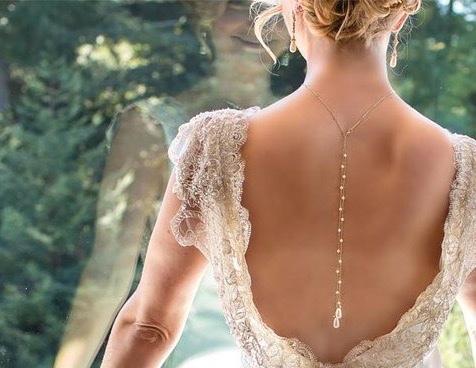 девушка со спины (476x368, 150Kb)