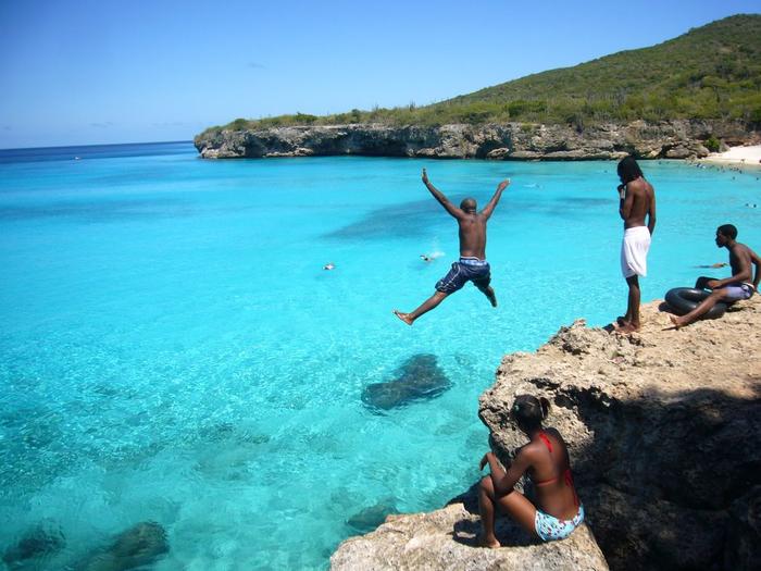 Curacao-Island_PJ2-W5MPC (700x525, 388Kb)